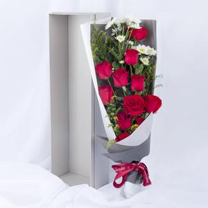 鲜花/我的挚爱:11枝精品红玫瑰,小雏菊点缀 花 语:不辜负生活,