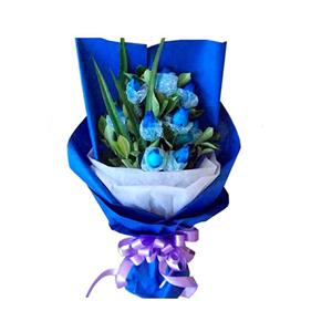鲜花/绽放爱情:9枝蓝色妖姬 包 装:蓝色皱纹纸,白色棉纸扇面包装