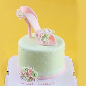 蛋糕/甜蜜高跟鞋: 翻糖蛋糕  [包 装]:高档礼盒包装,赠送精