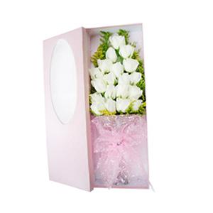 鲜花/遇见幸福:19枝白玫瑰。 包 装:粉色雪点网纱束扎,粉色高档