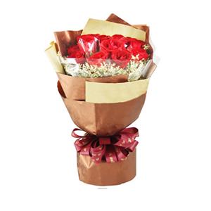 鲜花/优雅女王:11枝红玫瑰单独包装。 包 装:高档暗纹纸和牛皮纸