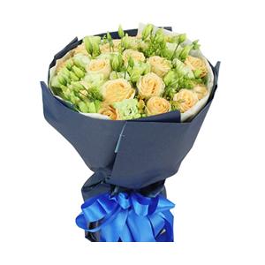 鲜花/寻爱地图:19枝香槟玫瑰。 配材:桔梗、黄英间插 花 语:期