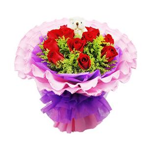 鲜花/恋恋情深:11枝红玫瑰 包 装:紫色棉纸内衬,粉色卷边纸圆形