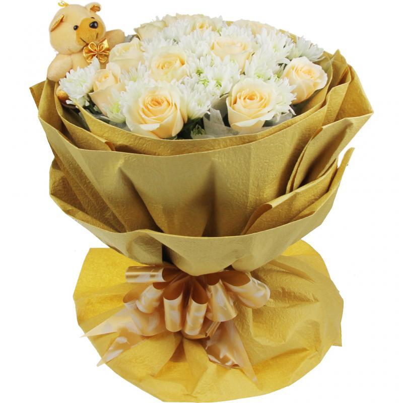 鲜花/午后阳光:11支香槟玫瑰 包 装:黄色皱纹纸,圆形精美包装,