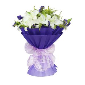 鲜花/海空之恋:11枝白百合 花 语:湛蓝的海面,像我的祝福一样波