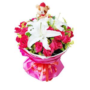 鲜花/妙龄时光:19枝红玫瑰,3枝白百合。 包 装:白色瓦楞纸内衬