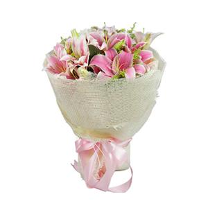 鲜花/爱入佳境:6枝粉色多头香水百合 包 装:粉色瓦楞纸内衬,高档