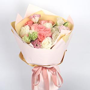 鲜花/月光女神:9枝白玫瑰、9枝粉佳人、3枝粉色桔梗、3枝白色桔梗