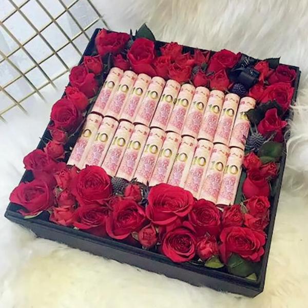 鲜花/520有钱花创意礼盒:精美鲜花礼盒+人民币创意礼盒 祝 愿:你是我的唯一