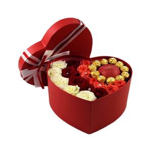 鲜花/相知相守:5枝白玫瑰,5枝红玫瑰,7枝戴安娜玫瑰,11颗巧克力