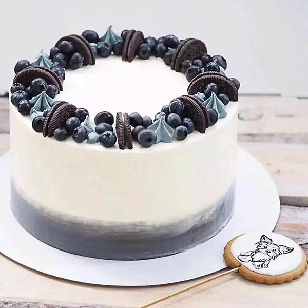 蛋糕/魔法森林:新鲜奶油+爽口蓝莓+甜蜜奥利奥 祝 愿:目光所至,