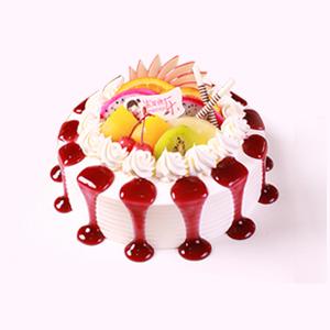 蛋糕/微微一笑: 新鲜奶油,绵密的新鲜当季的时令水果