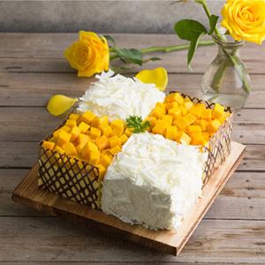 蛋糕/幸福味道:四格慕斯搭配新鲜芒果 祝 愿:风雨同舟,品味幸福味