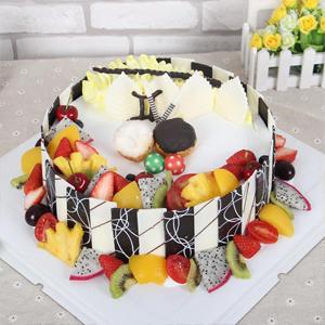 蛋糕/双子座专属蛋糕:巧克力贴片+时令水果+新鲜奶油 祝 愿:愿你一如既
