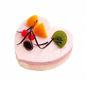 蛋糕/梦中花: 心形欧式冰激凌蛋糕,各色水果点缀装饰,黑色巧克