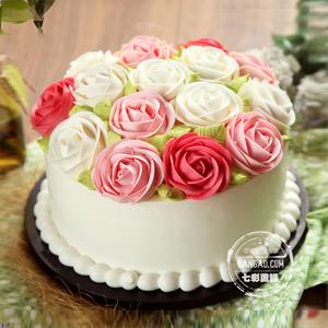 蛋糕/心花怒放:圆形奶油蛋糕,原味戚风胚 祝 愿:因相遇而相爱,因