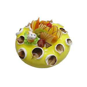 蛋糕/春之舞: 圆形奶油果酱蛋糕,时令水果装饰,1只可爱小蛇。