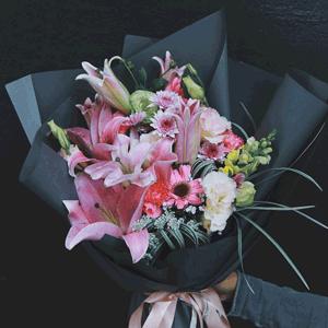 鲜花/真心祝愿:9枝粉色多头香水百合+高级配材 花 语:真心祝愿你