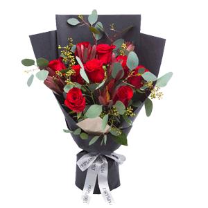 鲜花/忠于你:9枝红玫瑰 时令配草 花 语:只为一人,终其一生