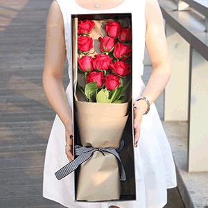 鲜花/执手到老:11枝红玫瑰 花 语:从爱你的青丝一直到爱你花白的