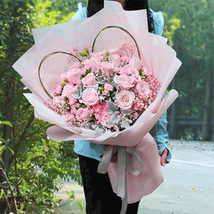 鲜花/微光:19枝精选粉玫瑰 粉多丁 银叶菊 满天星 柳条 串灯