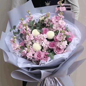 鲜花/浪漫真情:19枝紫色玫瑰 配材:乒乓菊 紫罗兰 尤加利叶 花
