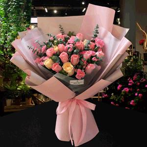 鲜花/甜蜜恋爱:21枝粉玫瑰 香槟玫瑰 配材:粉多丁 尤加利叶 米兰