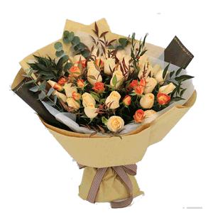 鲜花/幸福依恋:33枝香槟玫瑰 花 语:幸福依恋,携一人终老