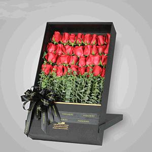 鲜花/小幸运:33枝红玫瑰 花 语:原来你是我最想留住的幸运